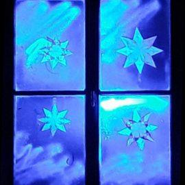 Erstes Adventsfenster